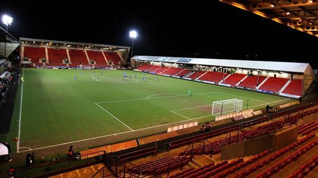 Football - Pars fans want bidder to come forward