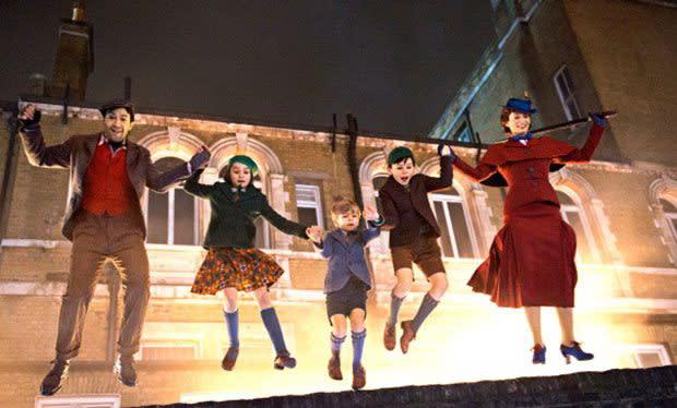 <p>三、《歡樂滿人間2》Mary Poppins Returns:相隔五十四年的續集,怎能不看!即將在今年上映的《歡樂滿人間2》,便是1964年《歡樂滿人間》的正宗續集。或許你沒看過第一集,但這個故事背景對你來說未必陌生,因為由艾瑪湯普遜和湯姆漢克共同主演的2013年電影《大夢想家》,描述的正是迪士尼先生早年如何將這部電影推上大銀幕、成為經典之作的艱辛幕後過程。第二集陣容則請到了艾蜜莉布朗、班維蕭、梅莉史翠普等,全片以夢想與歌舞為主題,預計將於2018年聖誕檔期上映。(圖/《歡樂滿人間2》官方劇照) </p>
