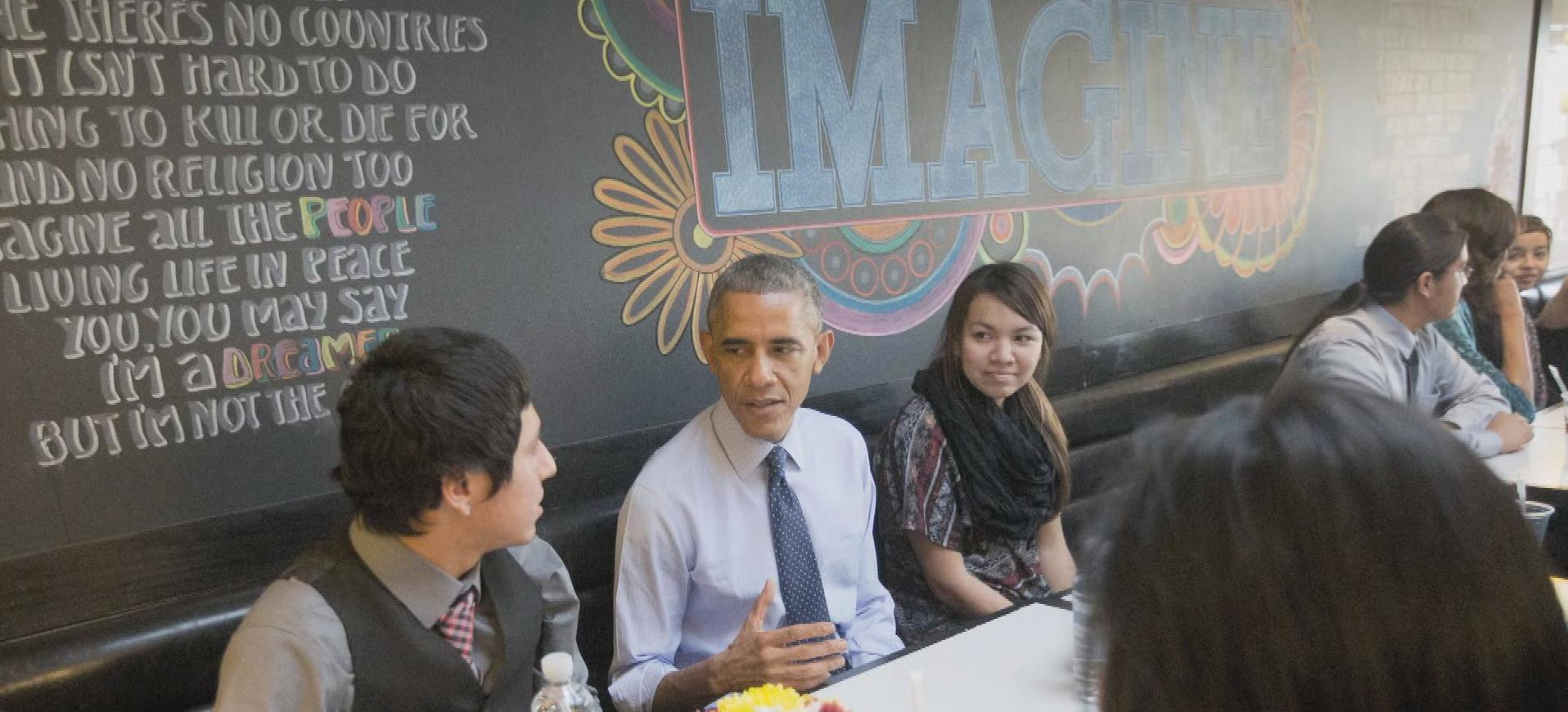 """President Obama: American's """"foodie-in-chief"""""""