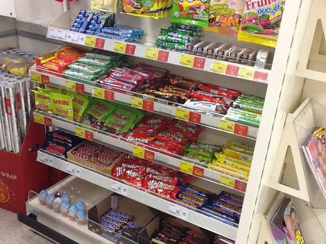 Why supermarkets should remove confectionary from their checkouts