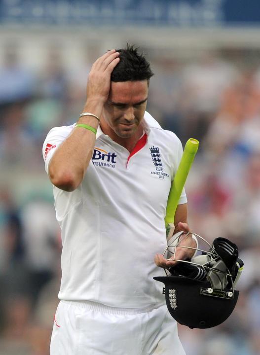 Cricket - Fifth Investec Ashes Test - Day Three - England v Australia - The Kia Oval