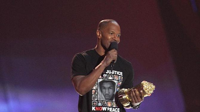 Jamie Foxx accepts the MTV generation award at the MTV Movie Awards in Sony Pictures Studio Lot in Culver City, Calif., on Sunday April 14, 2013. (Photo by Matt Sayles/Invision /AP)