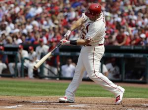 Cards score 4 in 1st, beat Dodgers and Greinke 4-2