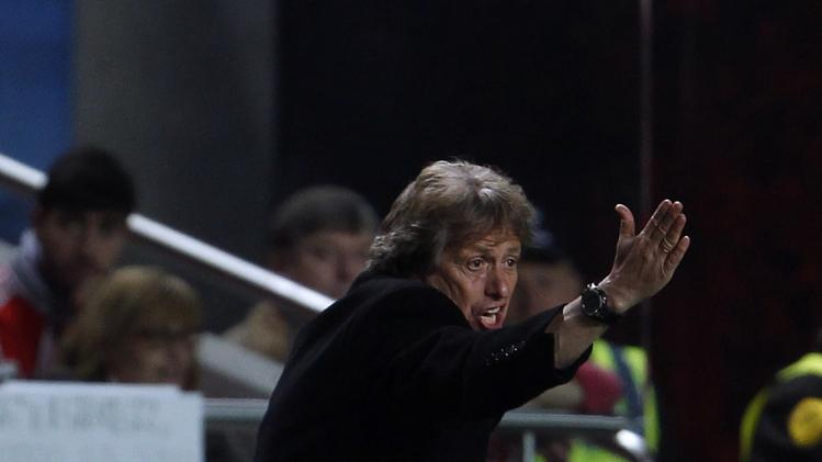 Benfica's coach Jorge Jesus gives instructions his players during their Europa League semi-final first leg soccer match against Juventus at Luz stadium in Lisbon