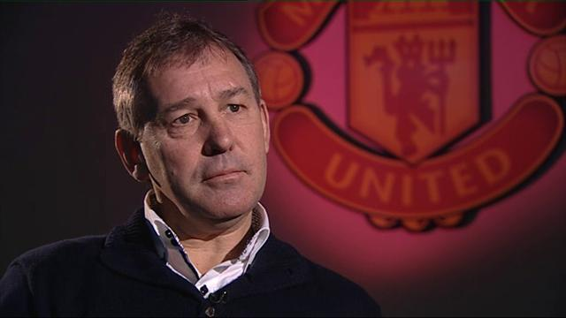 Premier League - Robson hopes Rooney will stay