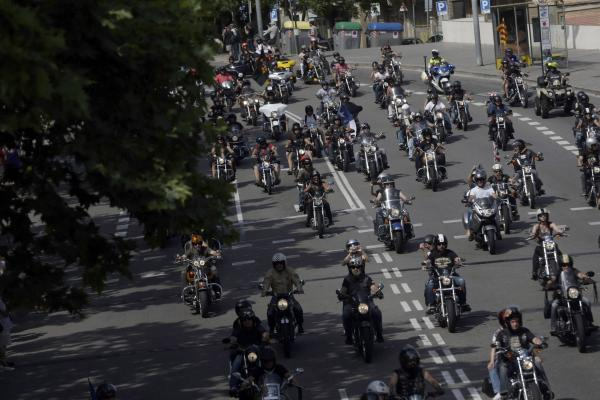 Barcelona: Harley Davidson bikers take part in the traditional Grand Flag Parade as part of the Barcelona Harley Days 2015, in Barcelona, northeastern Spain, 05 July 2015. Around 10.000 Harley Davidso