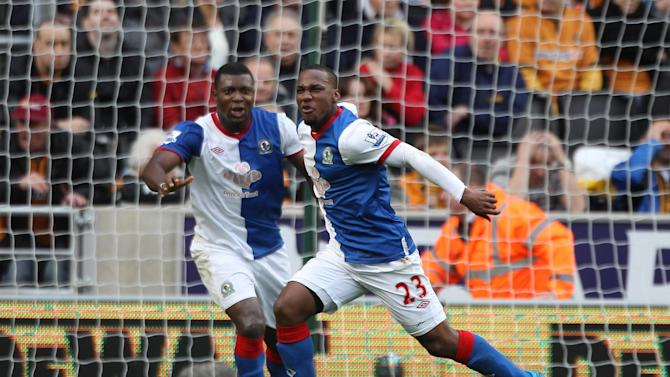 Junior Hoilett (right)