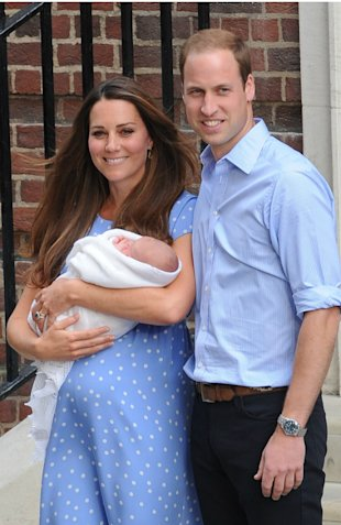 Kate Middleton To Have A Water Birth? Queen 'Gets Birthing Tips For Duchess' On Official Visit