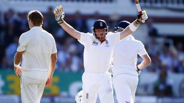 Ashes - Ian Bell hits century in third successive Ashes Test as England stutter