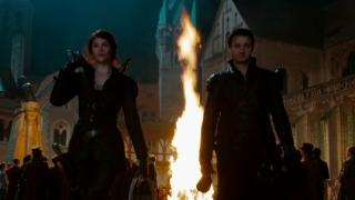 Hansel & Gretel: Witch Hunters (UK Vengeance Greenband Trailer)