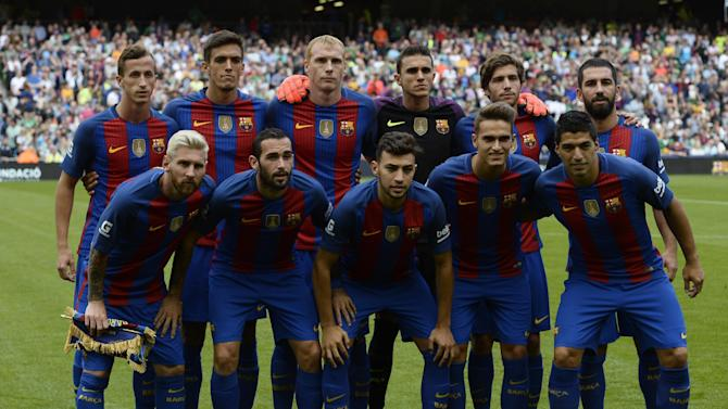 Barcelona team group before the match