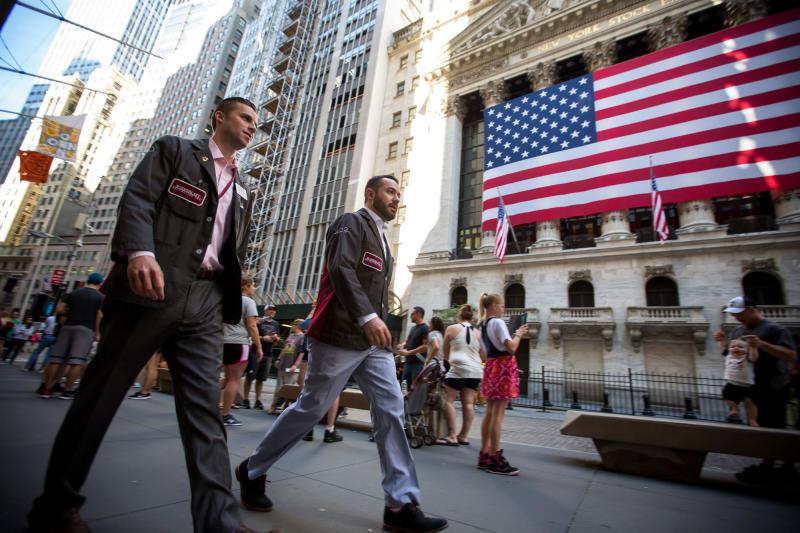Wall Street alle stelle, Borsa Italiana alle stalle