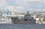 Ukraine Crisis: Russia Deploys Ships and Troops in Crimea