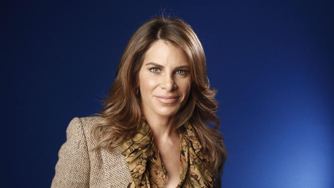 "FILE - This Jan. 6, 2012 file photo shows fitness guru Jillian Michaels in New York.  ""The Biggest Loser"" will return in January with the weight-loss show's first young teen participants and trainer Jillian Michaels back on duty. NBC says the show's 14th season will take on a new ""mission"" against the national increase in childhood obesity. Young people between the ages of 13 and 17 will join teams trying to shed pounds and get fit. (AP Photo/Carlo Allegri, file)"