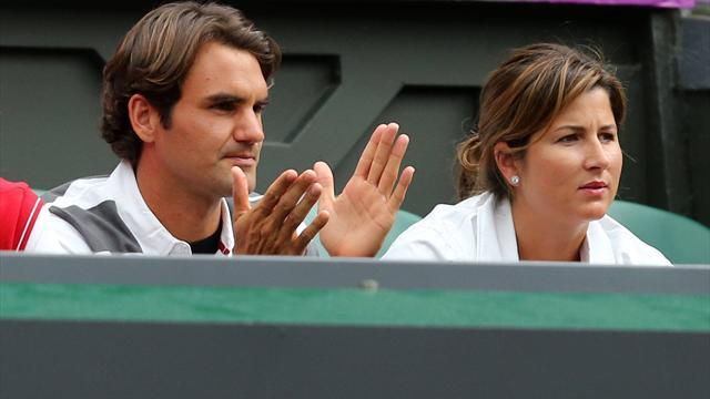 Tennis - Two sets to love for Federer
