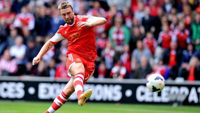 Premier League - Liverpool 'close to shock deal for Rickie Lambert'