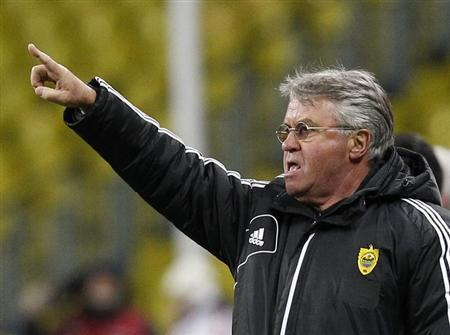 Guus Hiddink gestures during a soccer match at the Luzhniki stadium in Moscow, March 7, 2013. REUTERS/Maxim Shemetov/Files