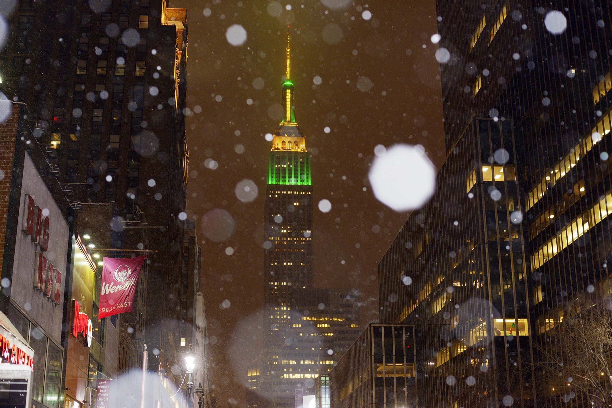 Storm unleashes blizzard conditions on parts of Northeast
