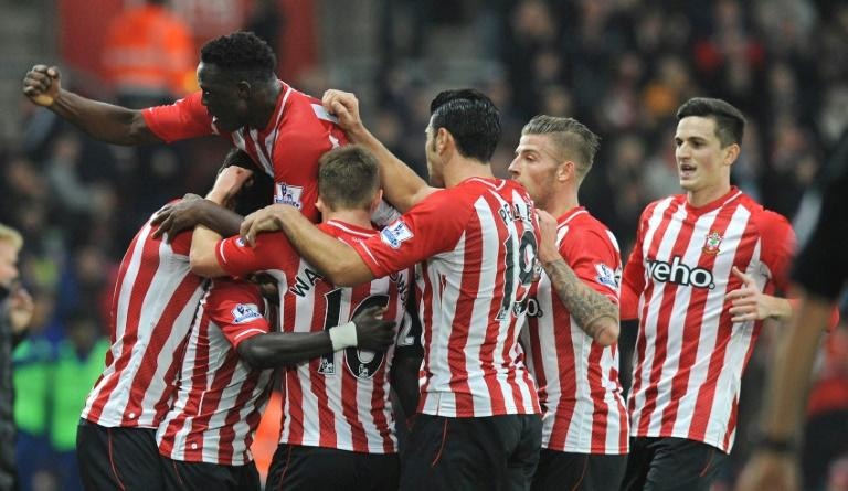 Southampton's Sadio Mane (Top L) celebrates after scoring his teams first goal during the English Premier League football match between Southampton and Arsenal at St Mary's Stadium in Southamp