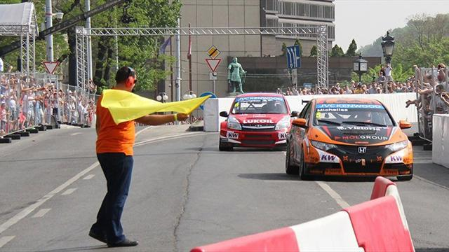 WTCC - Half a million turn out to watch cars in Budapest