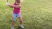 這個6歲的小女孩 竟然是高爾夫球高手