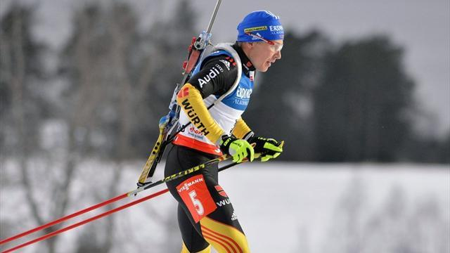 Biathlon - Birnbacher snatches 10km sprint win