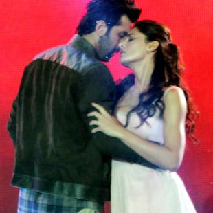 Ranbir: Kissing like action sequence