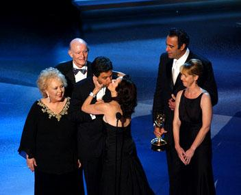 "Doris Roberts, Peter Boyle, Ray Romano, Patricia Heaton, Brad Garrett, Monica Horan Outstanding Comedy Series ""Everybody Loves Raymond"" Emmy Awards - 9/18/2005 Monica Horan"