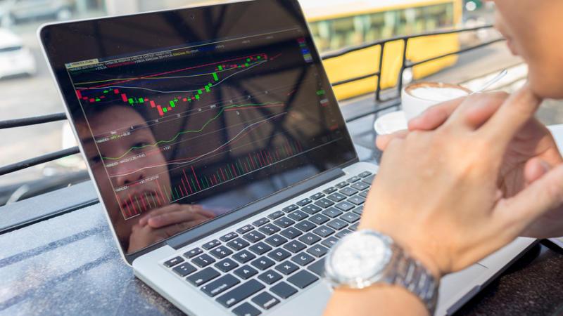 Quando il mercato non segue né dati né notizie
