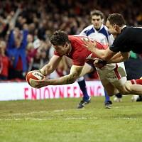 Alex Cuthbert crosses for a try for Wales