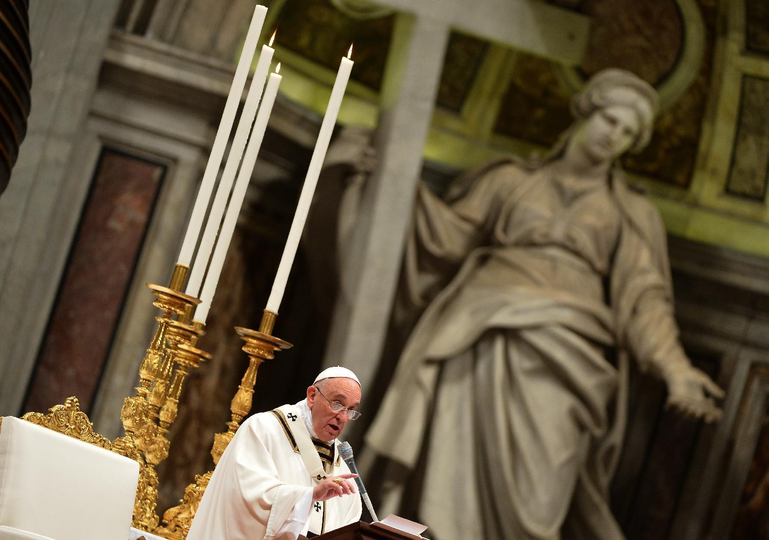 Pope urges 'tenderness' as millions celebrate Christmas