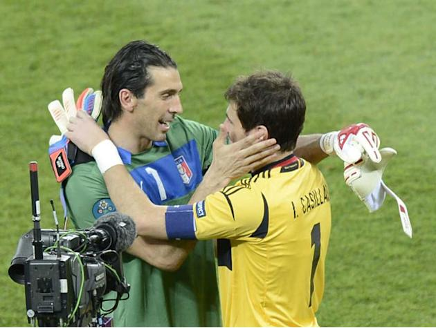VIDEO. Juventus-Real Madrid: Casillas et Buffon, les papys passent au comparateur