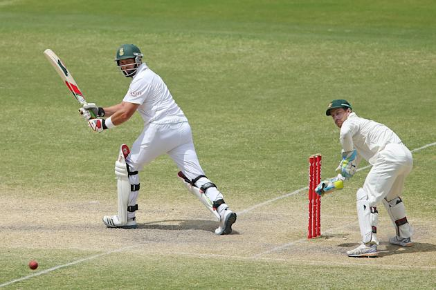 ADELAIDE, AUSTRALIA - NOVEMBER 26: Jacques Kallis of South Africa bats during day five of the Second Test Match between Australia and South Africa at Adelaide Oval on November 26, 2012 in Adelaide, Au