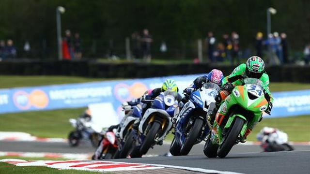 Superbikes - Oulton BSB: Seeley snatches epic Supersport race