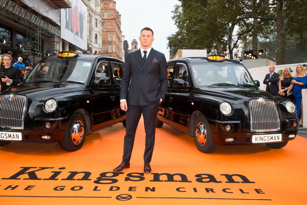 <p>在倫敦首映現場上,兩台計程車並排迎接金士曼與仕特曼的大駕光臨。(圖:查寧塔圖) </p>