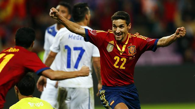 World Cup - Injury time Navas strike denies Chile win over Spain