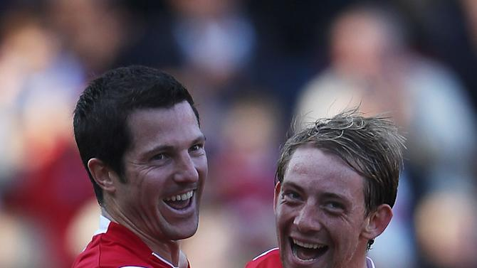 Yann Kermorgant (Left) and Danny Green