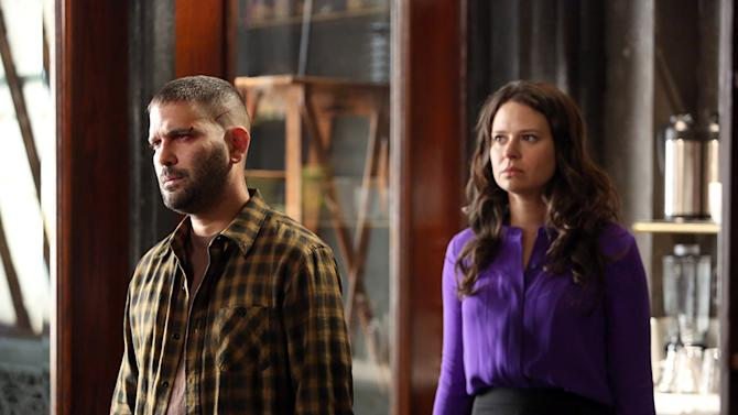 """""""Scandal"""" -- """"Truth or Consequences"""" GUILLERMO DIAZ, KATIE LOWES"""