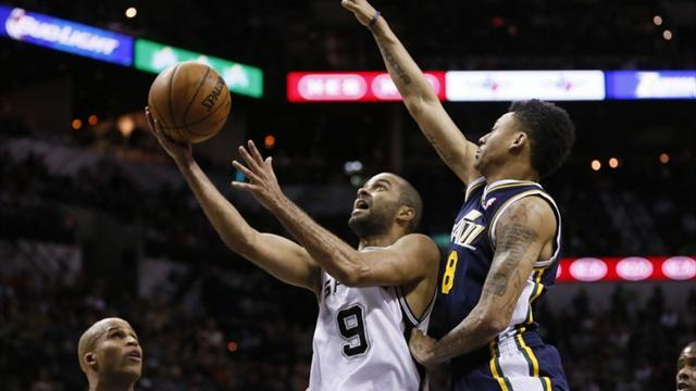 Basketball - Parker inspires Spurs to win over Jazz