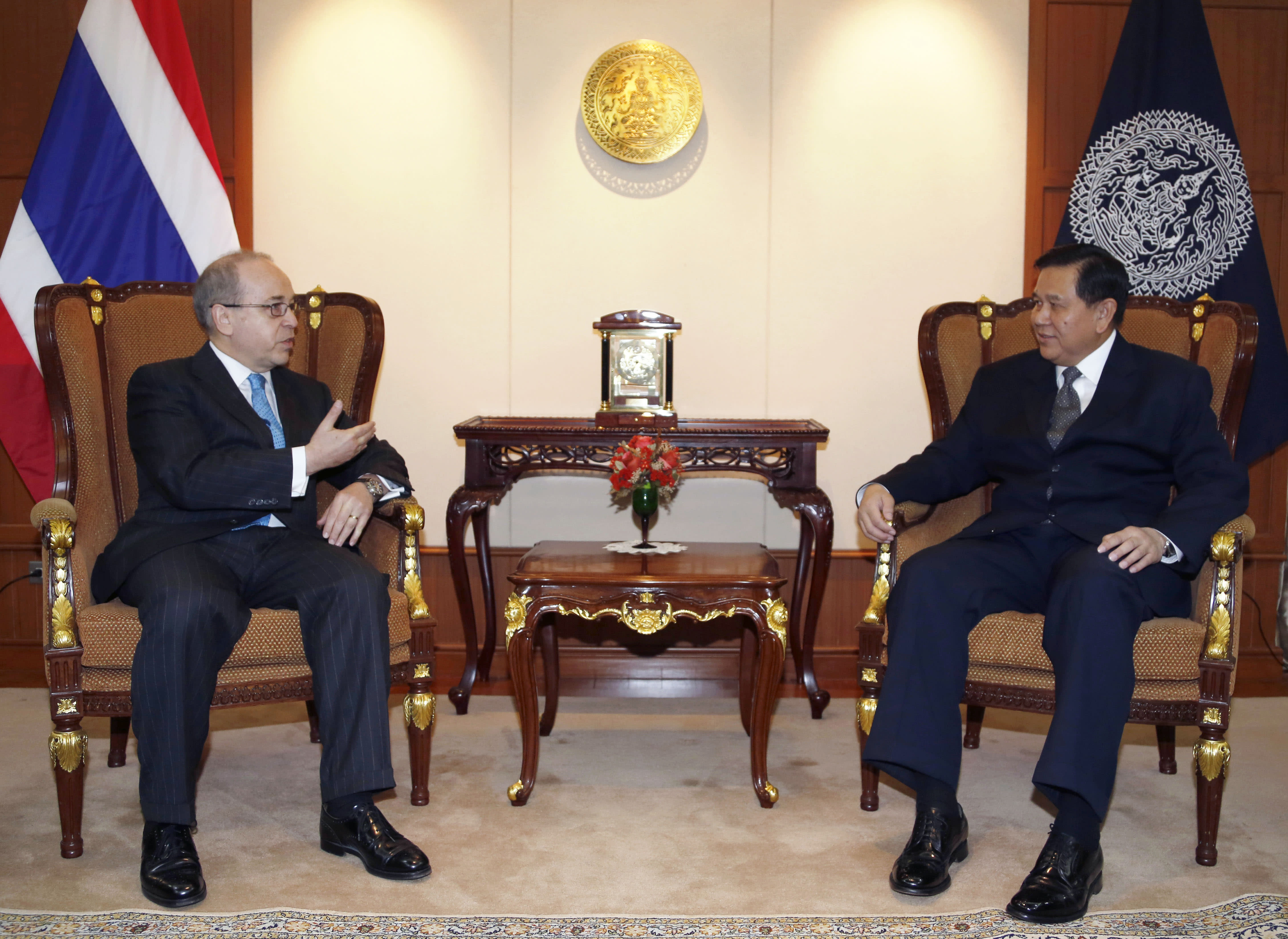 Thai junta tries to curb dissent and keep good terms with US