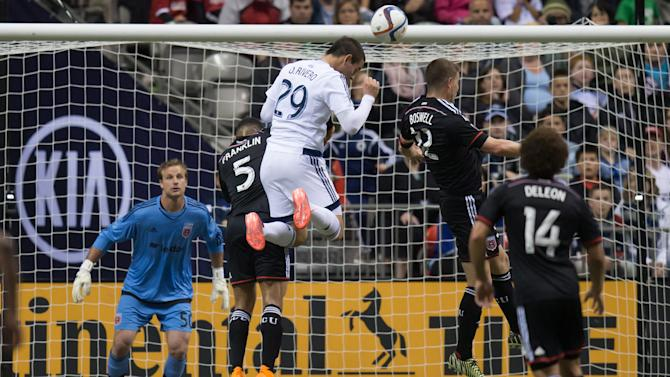DC United beats 10-man Whitecaps 2-1