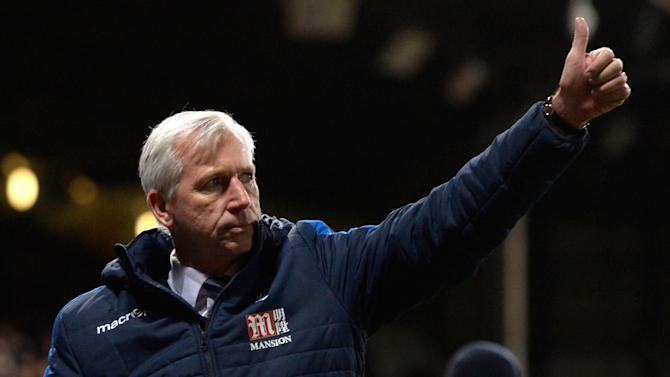 Alan Pardew eases the pressure, then criticises Crystal Palace owners