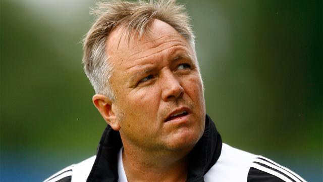 League One - Smith sacked by Stevenage