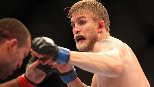 Mixed Martial Arts - Gustafsson predicts Jones-Teixeira