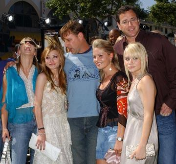 Premiere: Jodie Sweetin, Mary-Kate Olsen, Dave Coulier, Candace Cameron, Bob Saget and Ashley Olsen at the world premiere of Warner Brothers' New York Minute - 5/1/2004 Jodie Sweetin