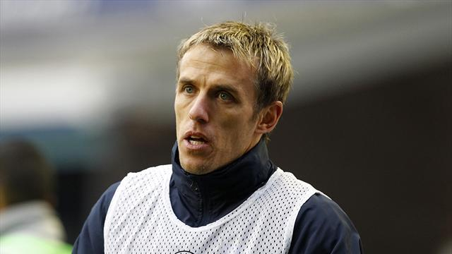 Premier League - Martinez wants Neville on Everton staff