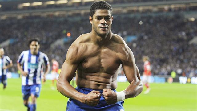 European Football - Porto to roll out welcome mat for returning hero Hulk
