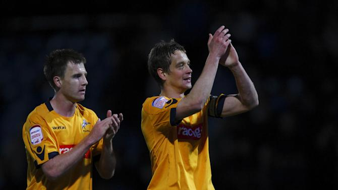 Paul Robinson, right, is chasing Millwall's all-time appearance record