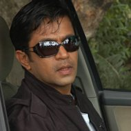 Arjun Sarja turns director in Kannada!