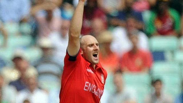 Cricket - Tredwell in for Briggs